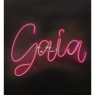 """Scritta """"Gaia"""" luminosa in plexiglass trasparente con Neon fucsia - lunghezza 70cm"""